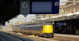 Leer tijdens je trein reis nieuwe skills met een online cursus