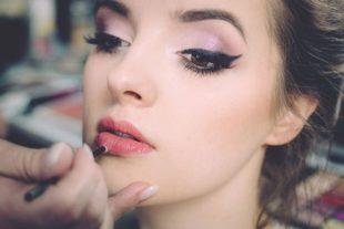 Online cursus visagie - leer make-up mooi aan te brengen