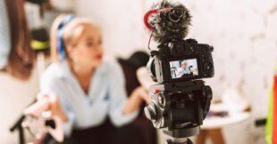 tips waarmee je zelfverzekerd voor de camera staat