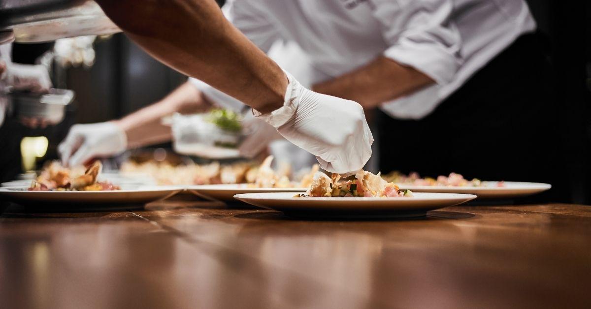 In dit artikel vind je 9 tips van Aron Nap over hoe je jouw heerlijke gerechten het beste kunt presenteren