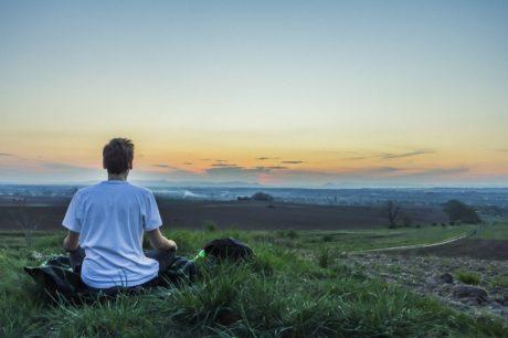 In de cursus Grenzeloos leven met mindfulness leer je voluit in het leven te staan