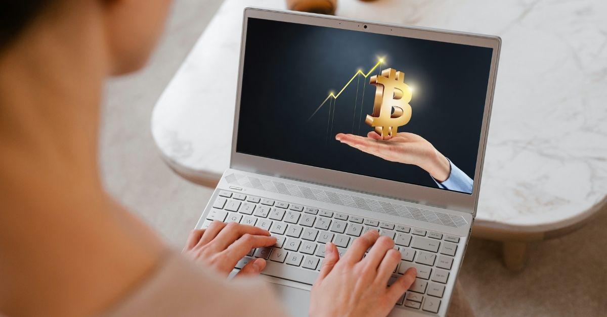 Arnold Hubach vertelt in zijn online cursussen in begrijpelijke taal wat je moet weten over Bitcoin