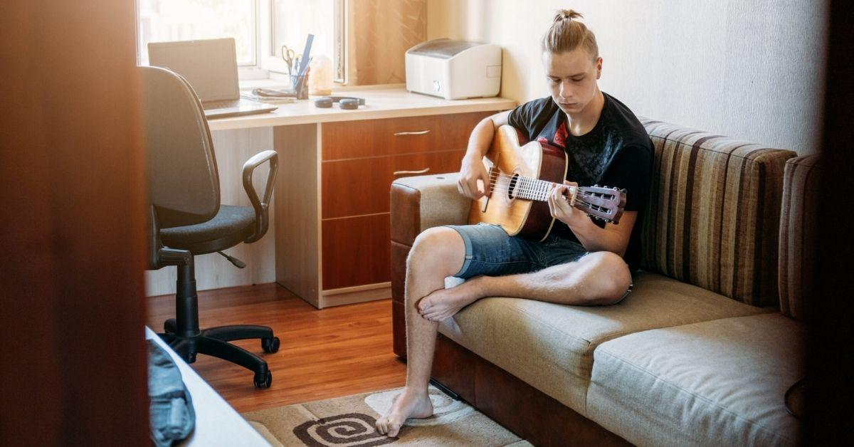 Op deze 3 manieren kun je online gitaar leren spelen